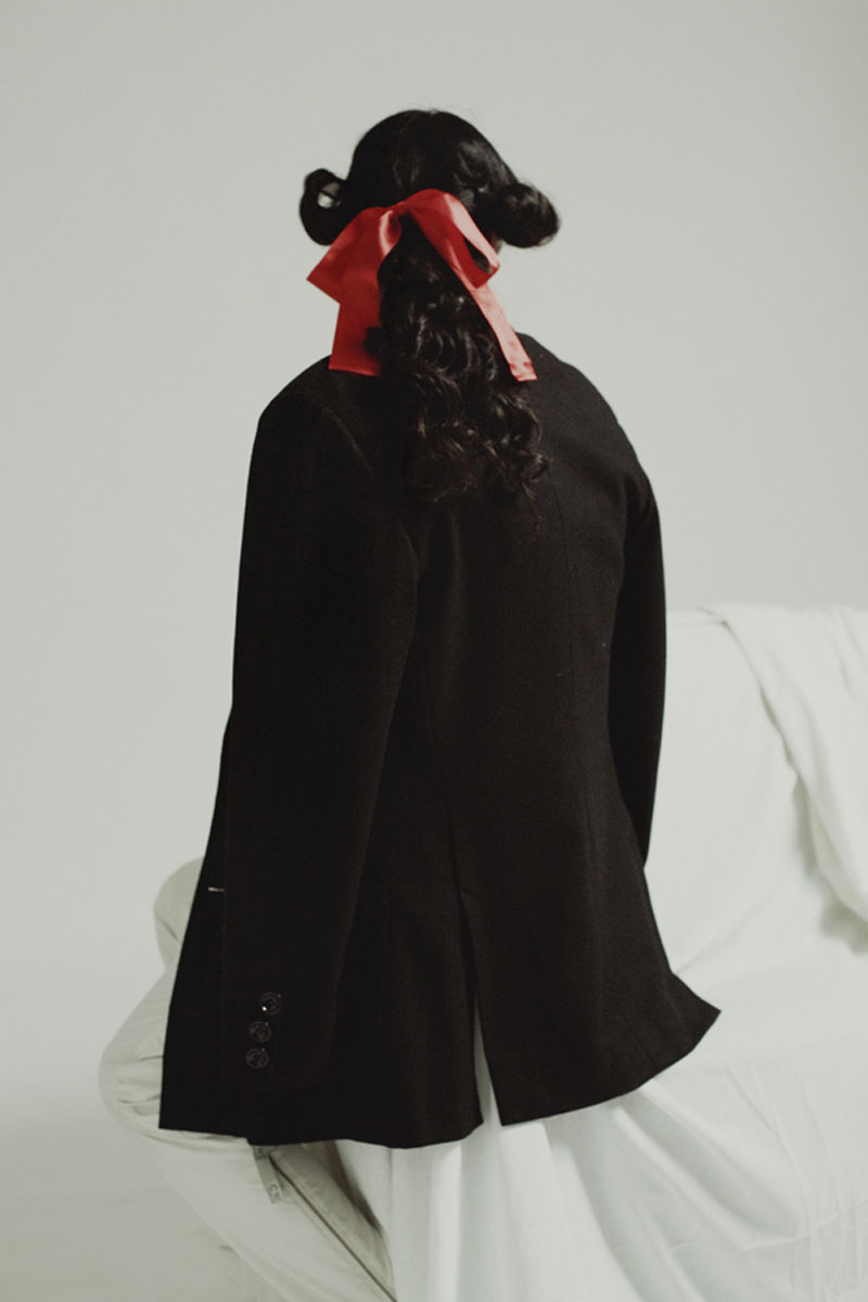 FASHION---Red-Ribbon2