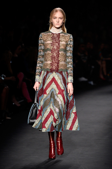 Mia Le Journal - VALENTINO. 10