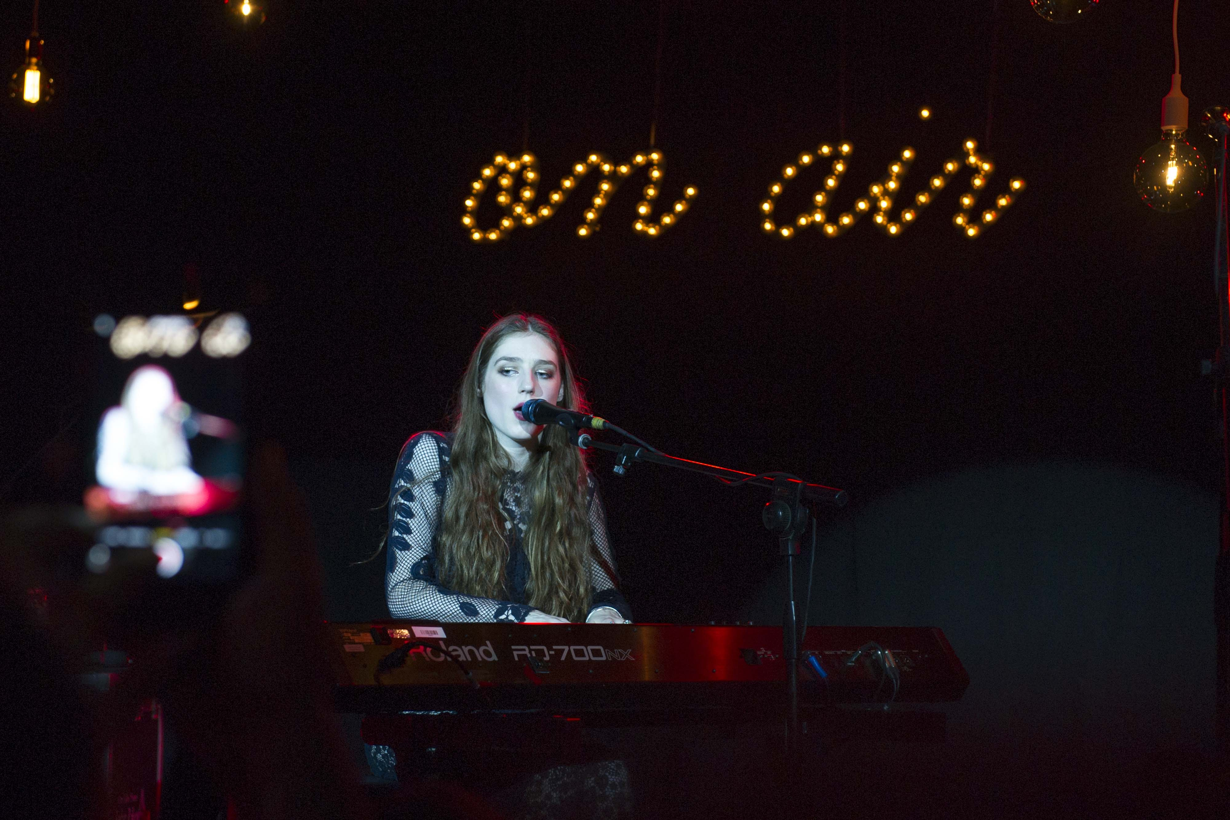 BIRDY PERFORMANCE6